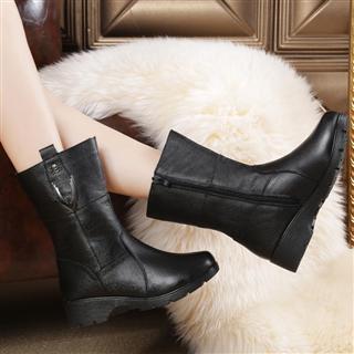 欧美风真皮中筒女靴 粗跟防滑 保暖马丁靴