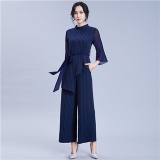 新款女装喇叭袖条纹直筒裤套装时髦欧美修身针织两件套